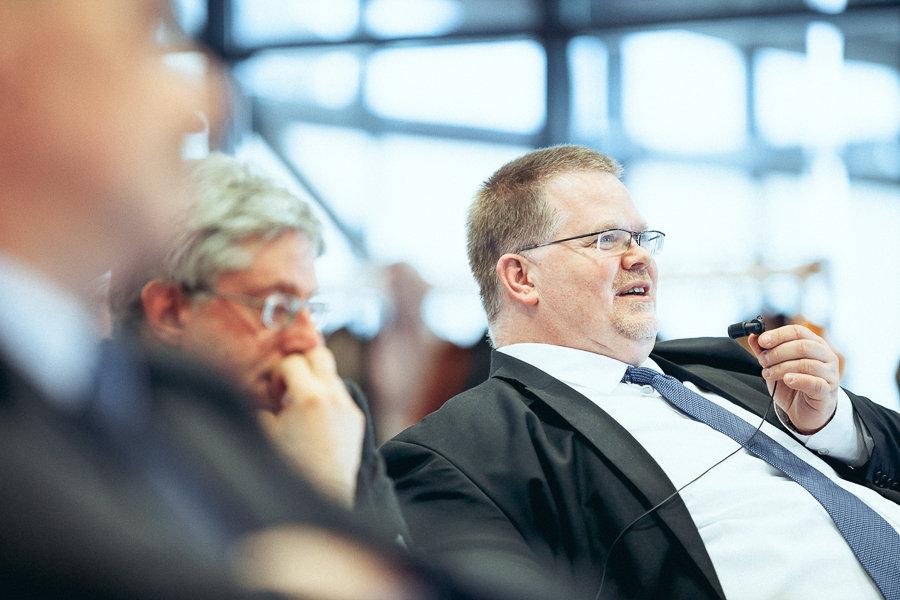 Mann bei Business Event bei WZL Aachen