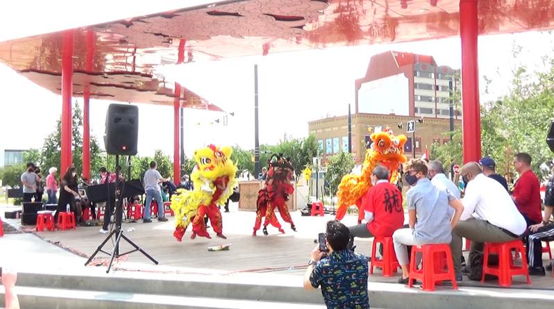 lion dancing (2).jpg