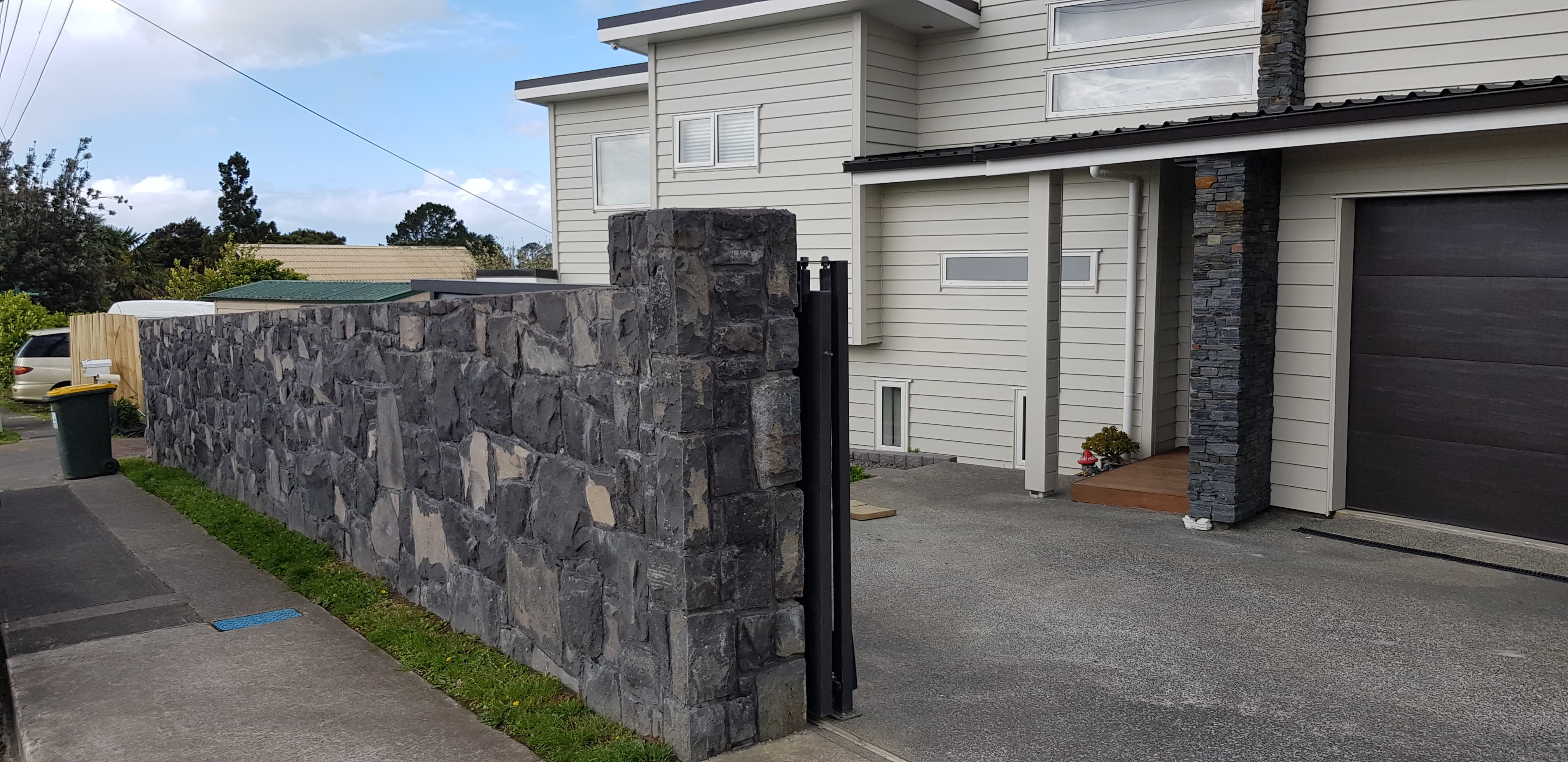 Boundary Wall & Entrance - Torbay