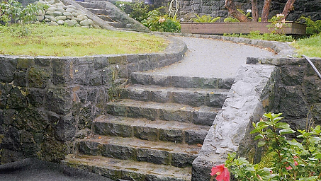 Side view of garden stepping and paving in a mt eden garden setting