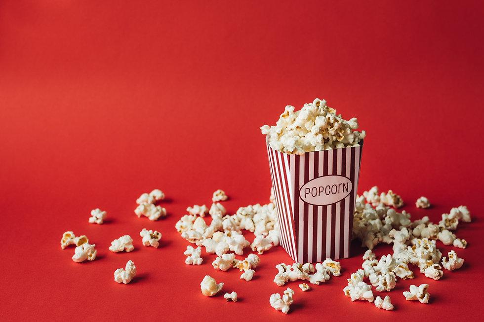 popcorn-on-red-background-SDLDCT3.jpg