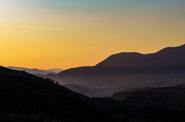 Smokey Mountains Sunrise edit.JPG