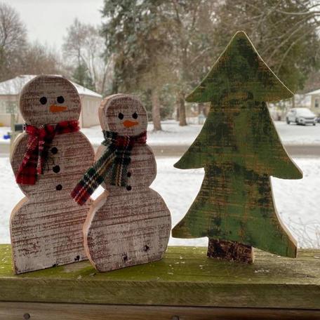 2 Small Snowmen with Tree.JPG