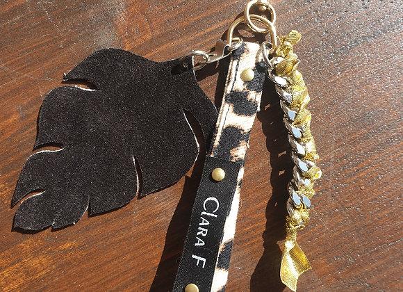 Porte clé léopard et cuir noir daim