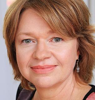 Linda Sauvé (3)_edited.jpg