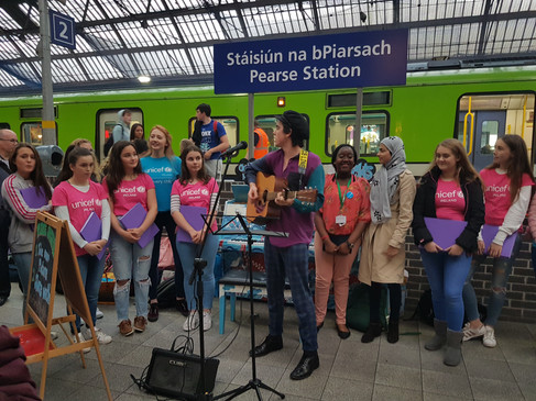 Ferdia Walsh Peelo and Risdale Choir perform at Pearse Train Station