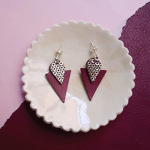 Clous d'oreille en cuir TRIANGLE Prune
