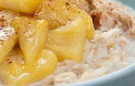 Porridge à la compotée de pomme et abricots secs