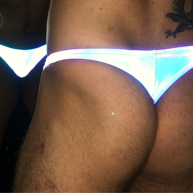 Holographic Thong