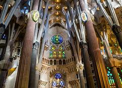 sagrada-familia-cathedral-1181778_1920.j
