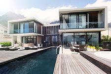 Hus med svømmebasseng
