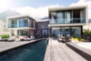 Dům s bazénem
