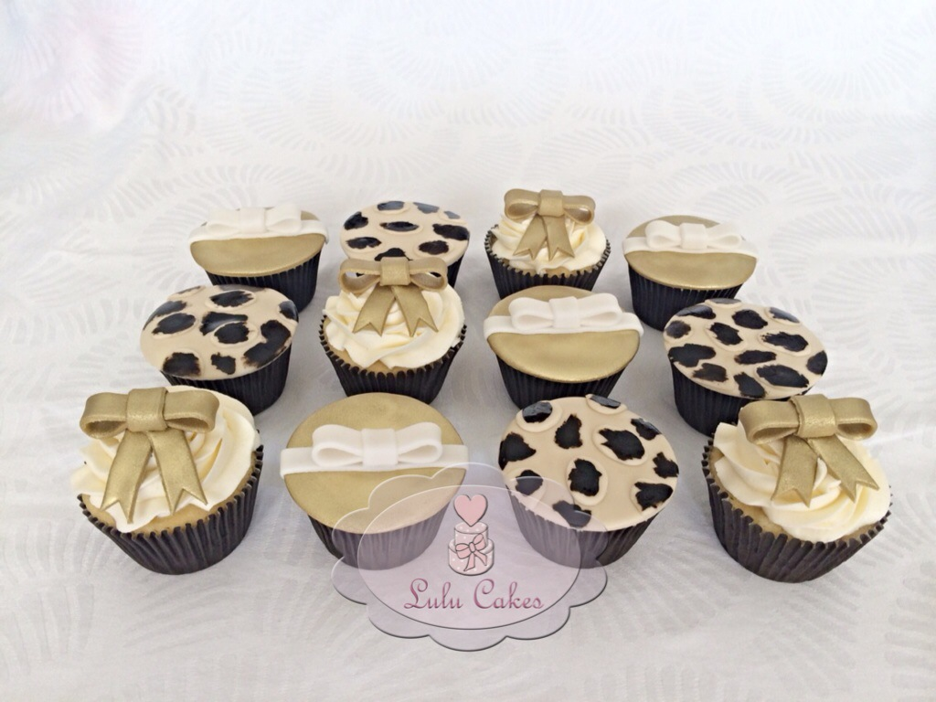 Cupcakes Oncinha e Dourado
