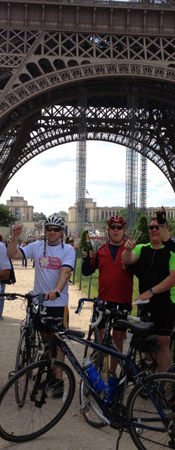 Group cycle to Paris raised over £1000