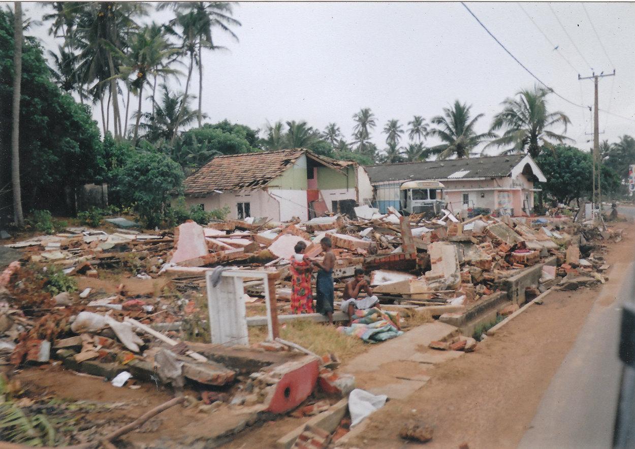 2004_Sri_Lanka_Tsunami_10_(16398716455).