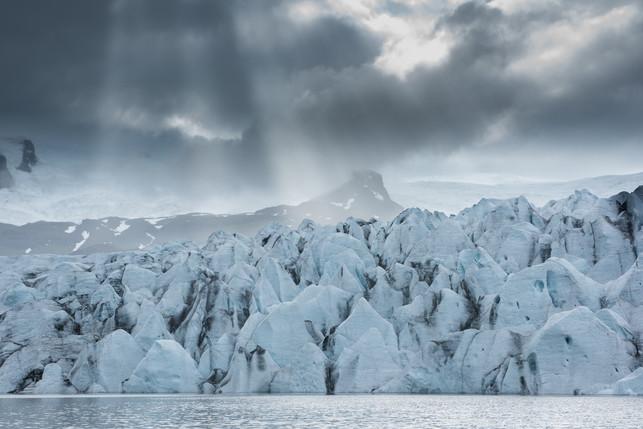 Storm on Fjallsárlón Glacier