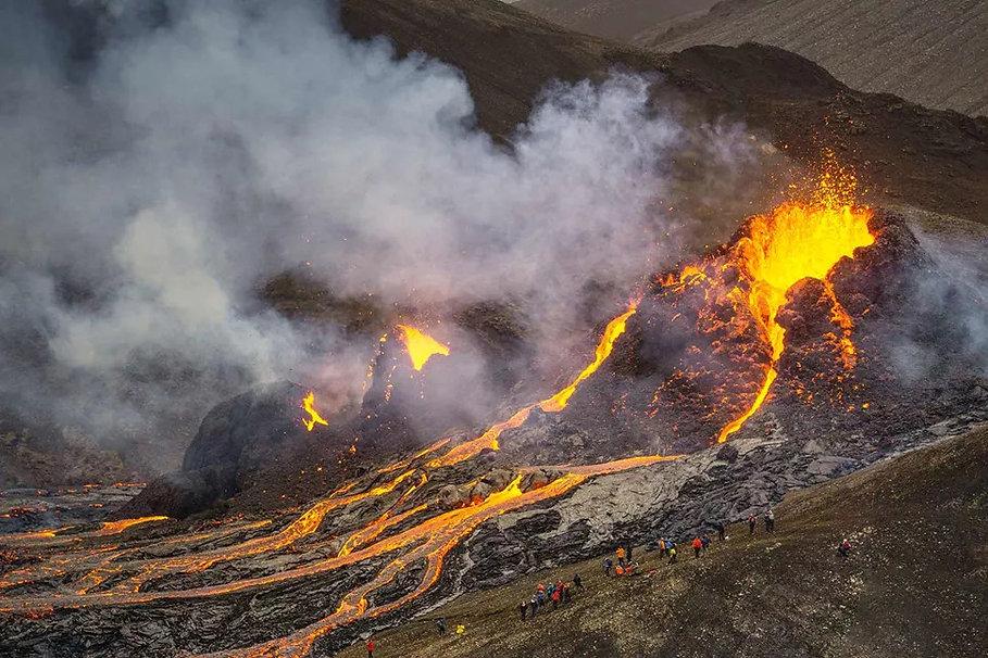 fagradalsfjall-eruption-aerial-view-icel