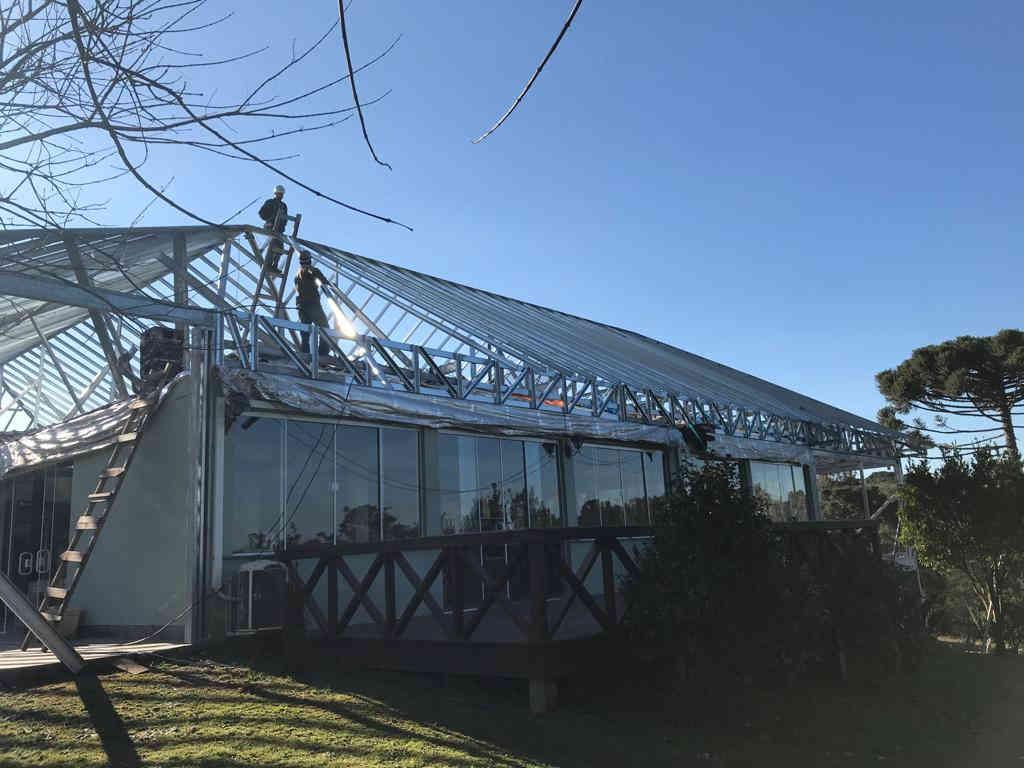 Construção de telhado em steel frame e telha shingle - Brasgips