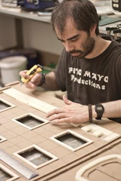 Ivan trabajando en la fachada