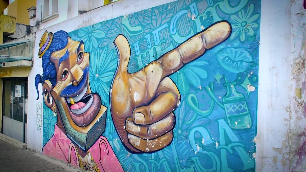 Type de grafitis dans le quartier La Floresta, de Quito, en Équateur
