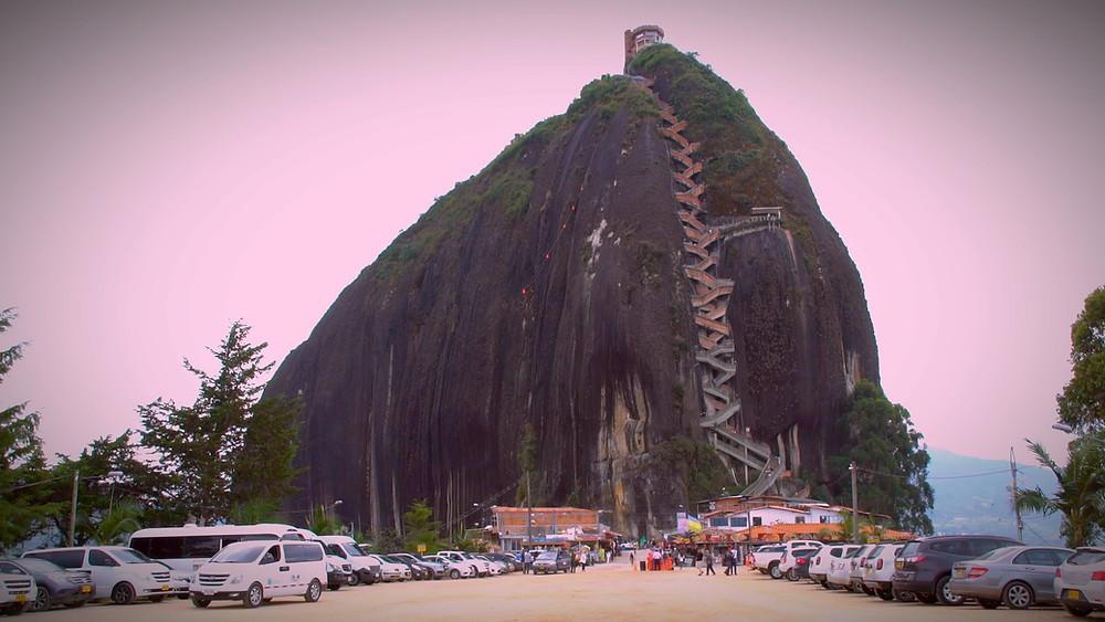 Piedra del Peñol, ce monolithe de 220 m