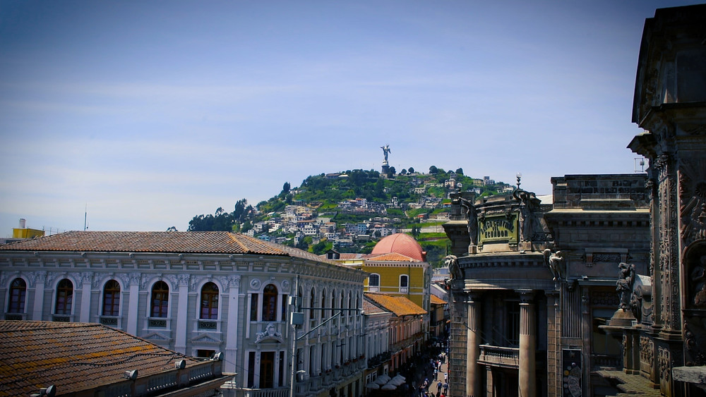Loma El Panecillo vu du centre historique de Quito