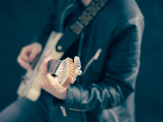I Learned to Play the Guitar in Just One Day!  You Can Too!