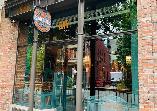 Smith's Bar & Lounge