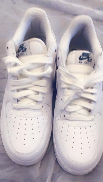 Men's White Nike w/ Green check Tennis