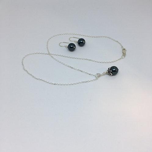 Sterling silver Swarovski pearl necklace & earrings set