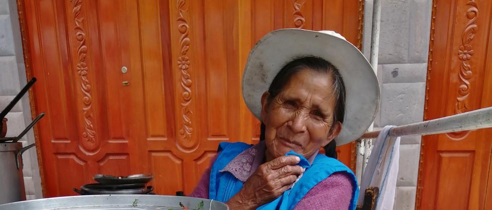 Peru - Pisaq Market Senora