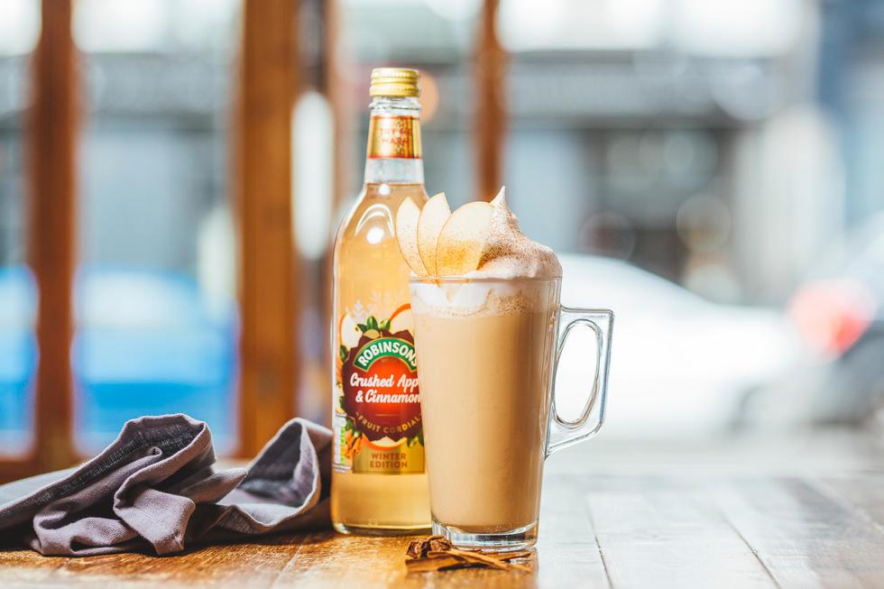 Robinsons Crushed Apple & Cinnamon Cocktail
