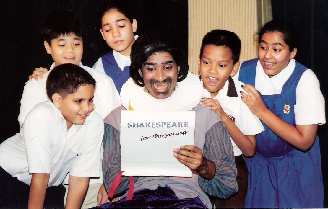 Shakespeare with school children.jpg