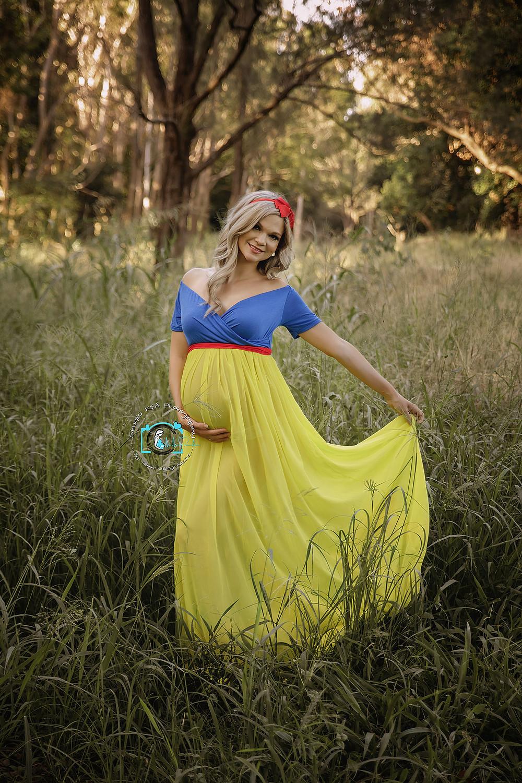 snow white inspired maternity shoot