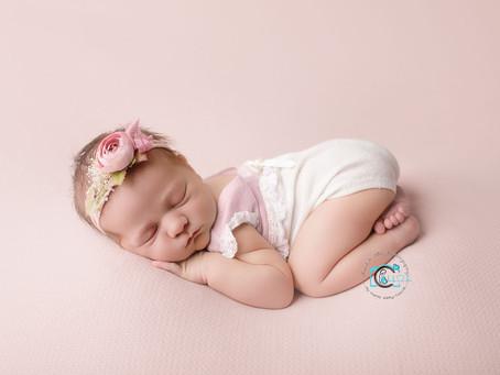 Emily Rose - {6 Days New} : Gold Coast & Brisbane Newborn & Baby Photography