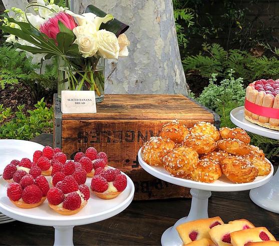 Raspberry Mini Tartelettes - Chouquettes - Financiers