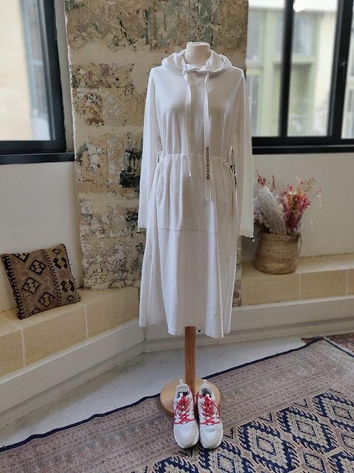 MAISON KITSUNE - Robe longue blanche à capuche - TM