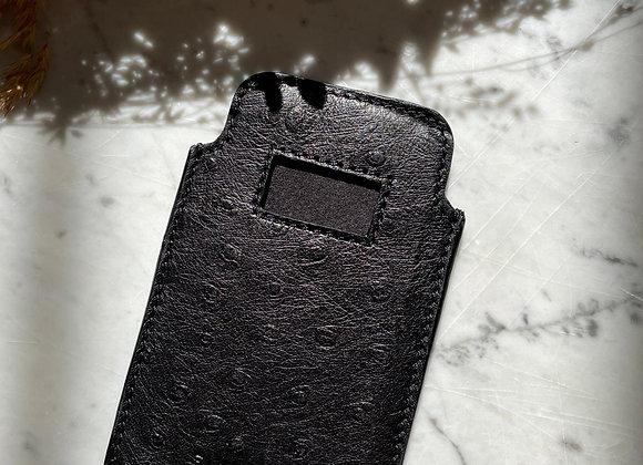 GIVENCHY - Pochette de téléphone noir en cuir d'autruche