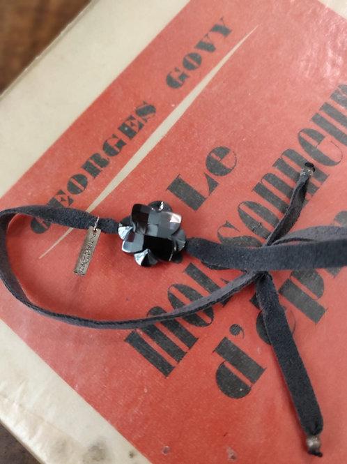 MORGANNE BELLO - Bracelet gris et fleur