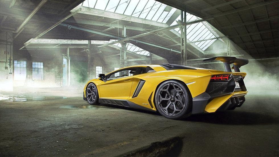 Lamborghini-Aventador-6509_edited.jpg