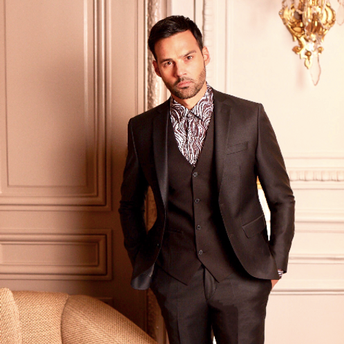 Oscar Suit 26