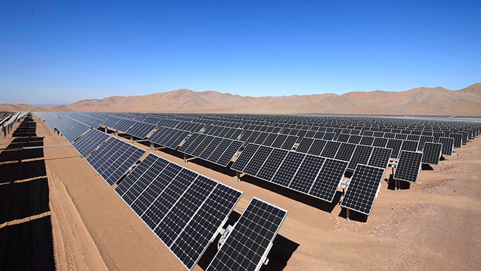 Usina fotovoltaica no deserto do atacama