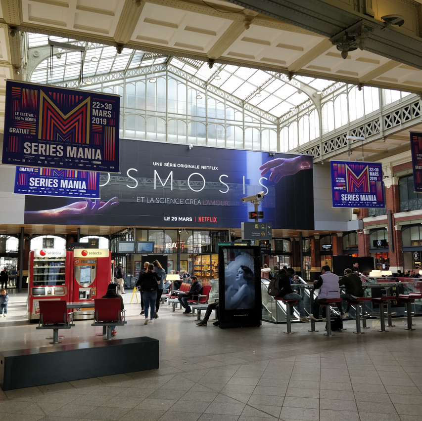 Banners in Gare Lille-Flandres