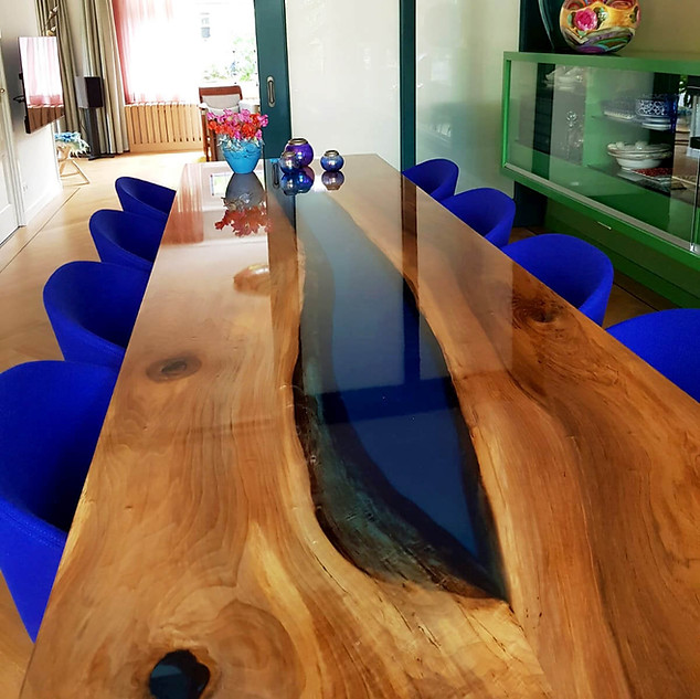 River table made of walnut wood