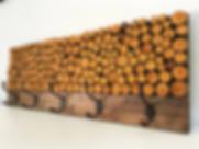Hardhouten kapstok met houten schijven