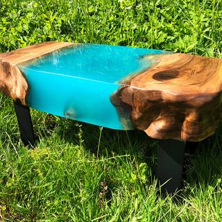 15cm dik epoxy salontafel.jpg
