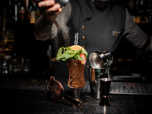 TOP 5 ESSENTIAL TIPS TO REINVENT YOUR COCKTAIL NIGHT