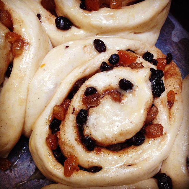 Chelsea buns proofing by the oven for tomorrow's afternoon tea ☕️🍩