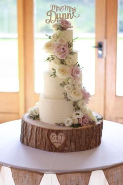 Kingscote Barn Buttercream Cake