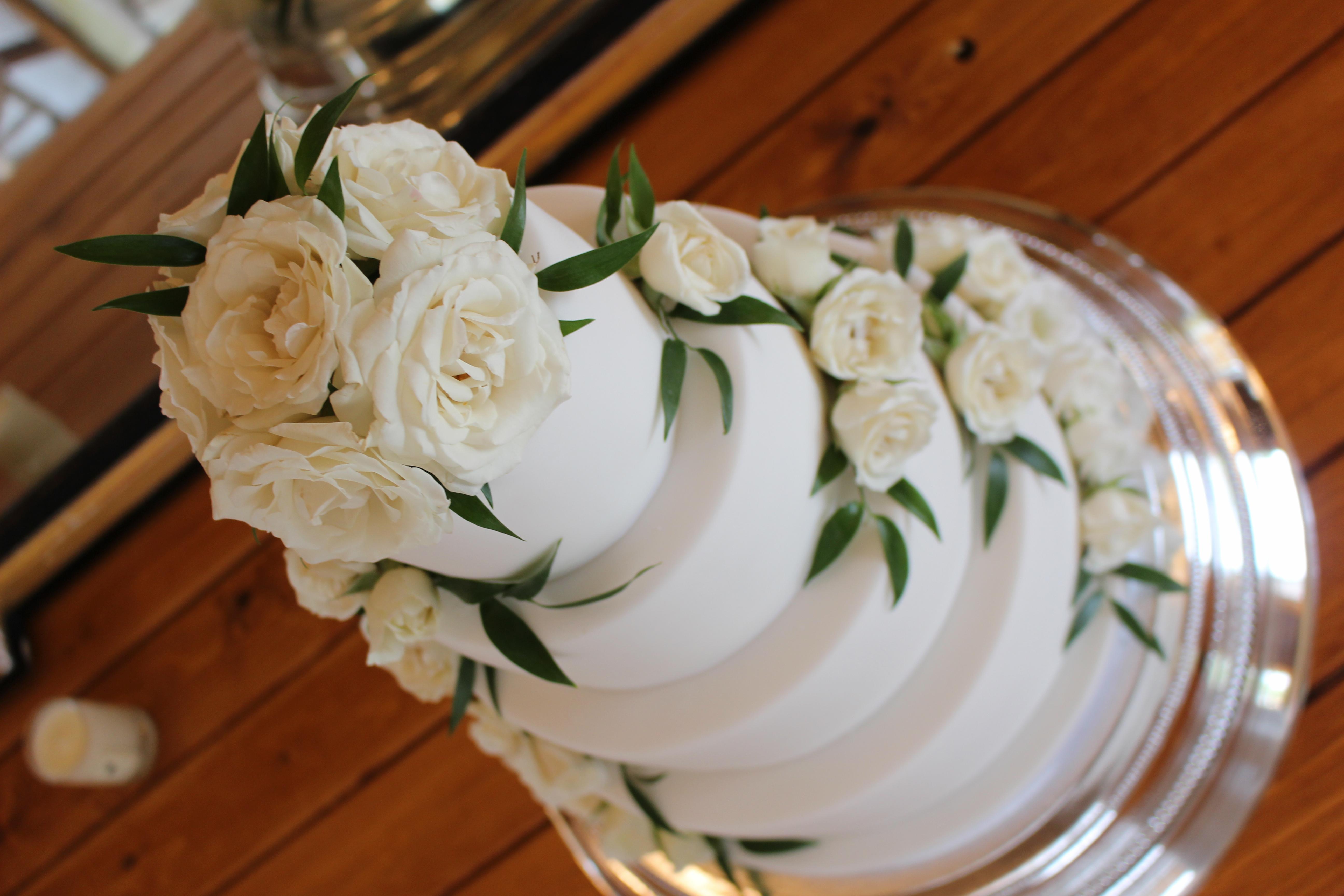 Elmore Court White Wedding Cake